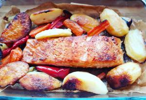 Baked Salmon with Potatoes and Cabbage Salad