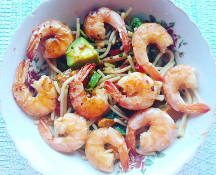 Gluten Free Pasta with Shrimps, Spinach and Avocado - photo gallery - 0